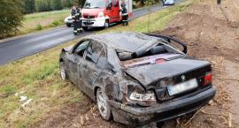 Wypadek w Kłokocku w powiecie lipnowskim. BMW kilkukrotnie koziołkowało [ZDJĘCIA]