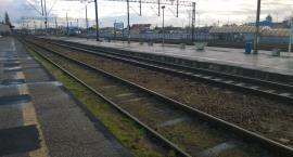 Śmiertelny wypadek na torach we Włocławku. 60-letni mężczyzna potrącony przez pociąg towarowy