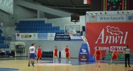 Anwil wspiera koszykówkę dzieci z Włocławskich szkół