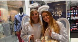 Szał zakupów we Włocławku. Aniołki życzą Wesołych Świąt [VIDEO, ZDJĘCIA]