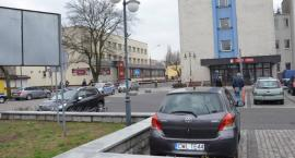 Bomba za bombą we Włocławku. Instytucje nie pracują. Co robią policjanci?