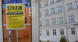Strajk nauczycieli 2019 we Włocławku. Wiemy ilu nauczycieli protestuje. Kto nie strajkuje?