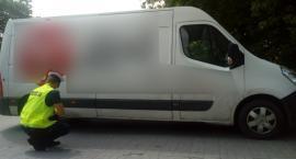 Tragiczny wypadek w regionie. Samochód dostawczy potrącił kobietę na parkingu