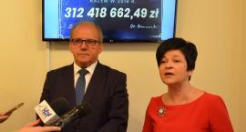Miliony dla Powiatu Włocławskiego.  23  umowy i blisko 33 miliony złotych dofinansowania