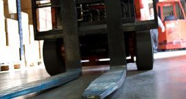 Tragiczny wypadek przy pracy w gminie Choceń. 23-latek przygnieciony przez wózek widłowy