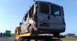 Laweta zderzyła się z ciężarówką na A1 w Gminie Lubień Kujawski