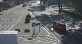 Potrącenie pieszej w Rypinie. Zarejestrował to monitoring [VIDEO ZE ZDARZENIA]