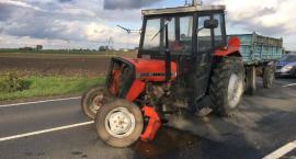 Zderzenie ciągnika rolniczego volkswagenem w powiecie radziejowskim [ZDJĘCIA]