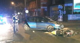 Potrącenie motorowerzystów w Lipnie. 19-latek i pasażerka trafili do szpitala [ZDJĘCIA]