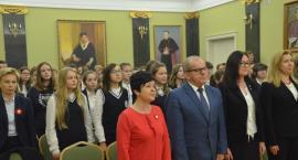 Uczniowie z Długosza odśpiewali Mazurka Dąbrowskiego