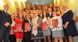 W Państwowej Uczelni Zawodowej we Włocławku wręczono stypendia rektora