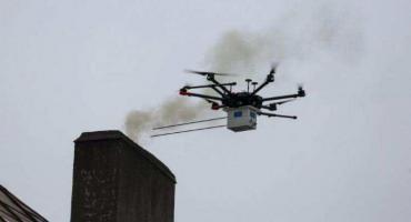 Palisz śmieci? Dron bada dym z komina. Jaka czeka Cię kara?