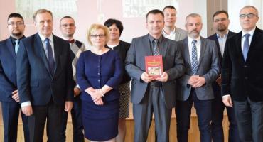 Dzięki tej książce poznasz historię Powiatu Włocławskiego. Powstała monografia