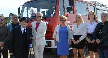 OSP w Warząchewce otrzymała mercedesa [ZDJĘCIA]