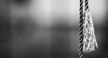 Próba samobójcza w Gminie Kikół. Kobieta miała już sznur na szyi