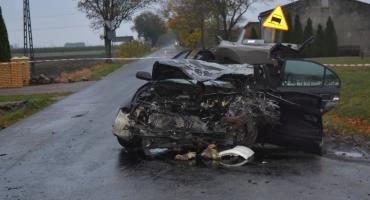 Wypadek w Osięcinach w powiecie radziejowskim. Zderzenie ciężarówki z autem osobowym [ZDJĘCIA]