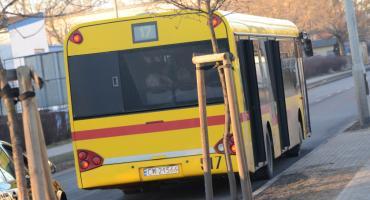 Jazda na tylnym zderzaku autobusu we Włocławku. Jak się skończy?
