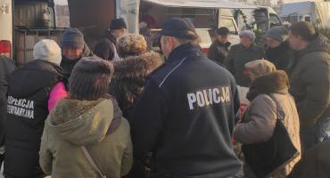 Kontrole policji i służb na targowisku i sklepach w Radziejowie [ZDJĘCIA]