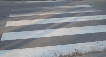 Piesza potrącona na skrzyżowaniu Barska, Żytnia we Włocławku. Policja prosi o kontakt