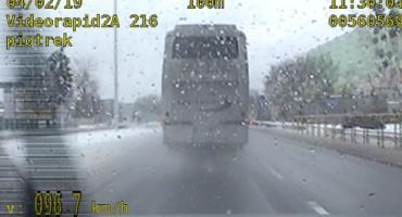 Autobus gnał przez Włocławek z prędkością prawie 100 km/h [VIDEO]