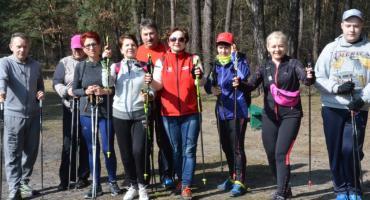 Nordic walking na stadionie Przylesie  we Włocławku
