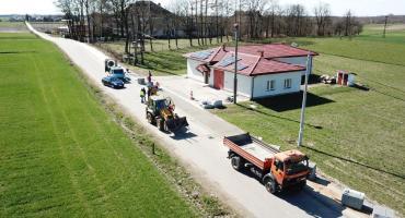 Inwestycyjna wiosna w Gminie Lubień Kujawski. Trwa przebudowa dróg