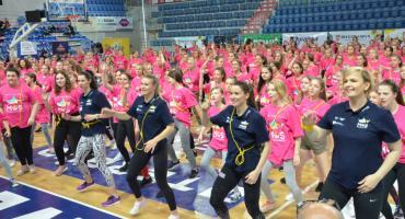 Otylia Jędrzejczak we Włocławku  z mistrzyniami, poprowadziła lekcje WF w Hali Mistrzów we Włocławku