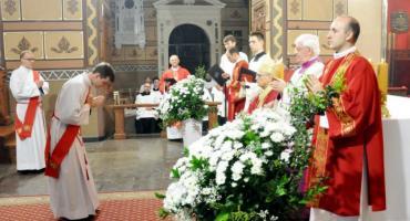 W Katedrze we Włocławku wyświęcono nowych księży