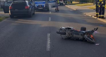 Zderzenie motoroweru z Audi. Motorowerzysta trafił do szpitala [ZDJĘCIA]