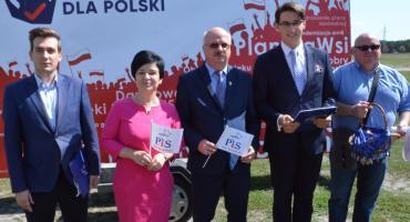 Wybory 2019 we Włocławku. Akcja zbierania podpisów przez PiS