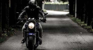 Mieszkaniec Gminy Fabianki motocyklem wjechał do rowu. Miał ponad trzy promile a to nie koniec