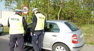 Akcja policji na drogach Telefony. Sprawdź co grozi za używanie telefonu podczas jazdy