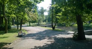 Zwłoki w Parku Sienkiewicza we Włocławku. Nie żyje 37 latek
