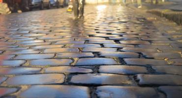Na Południu we Włocławku przebudują chodniki. Wiemy na jakich ulicach