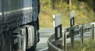 Ciężarówka siała postrach w miasteczku w regionie. Poruszała się z dużą prędkością i łamała kolejne przepisy