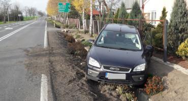 Wypadek w Samszycach. Uderzył w forda, którym podróżowała rodzina z dwójką dzieci [ZDJĘCIA]