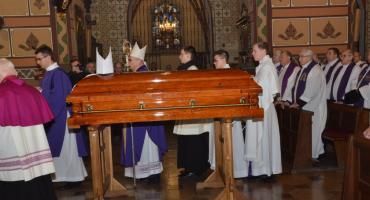 Uroczystości pogrzebowe Biskupa Bronisława Dembowskiego we Włocławku [ZDJĘCIA]
